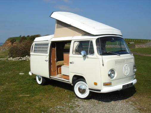 The Early Bay camper; notice the indicator lights are located below the headlights.